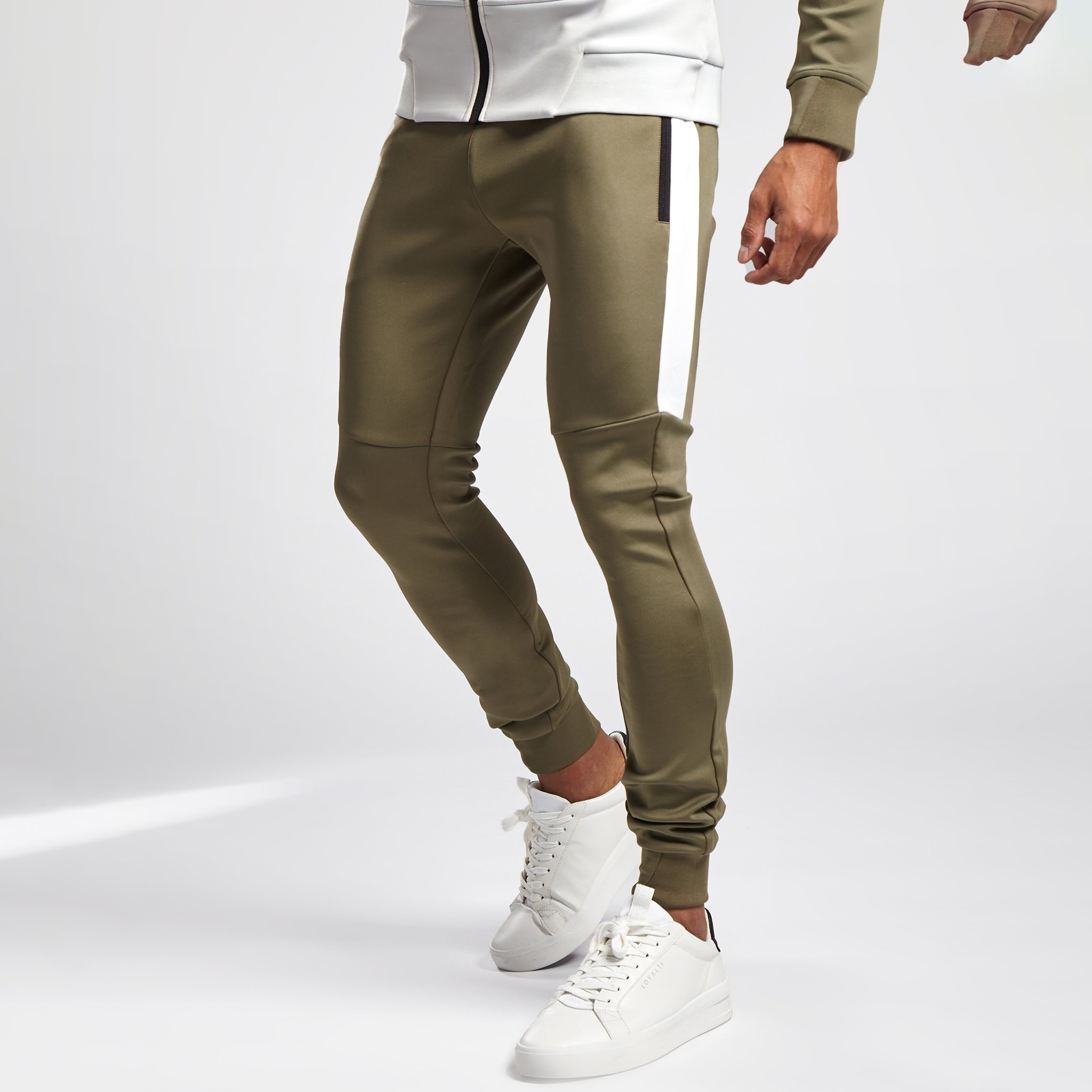 product-Ruiteng-High Quality Manufacture Made Tracksuits Mens Athletic Training Gym Tracksuits-img